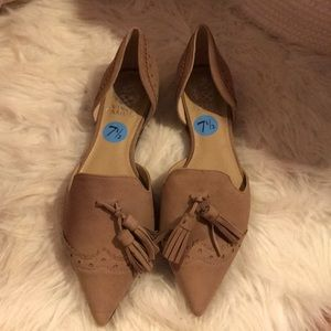 Never worn Vince camuto flats